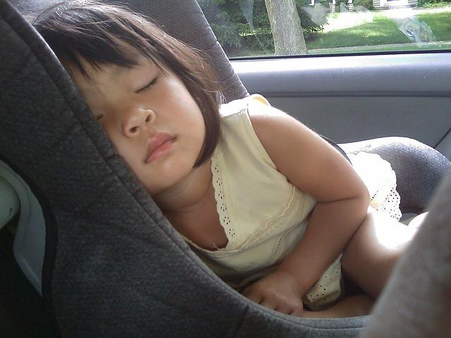 spaní v autě