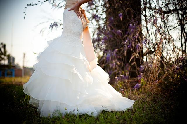 spodek svatebních šatů.jpg