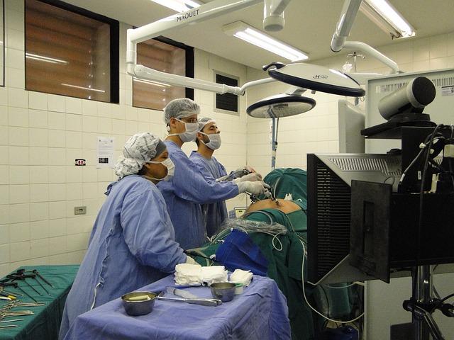 laparoskopie a lékaři