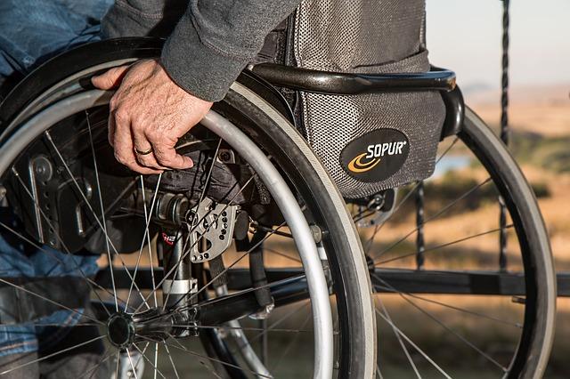 invalida na vozíku